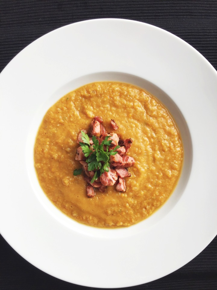 Spiced sweet potato & chickpea soup served with crispypancetta